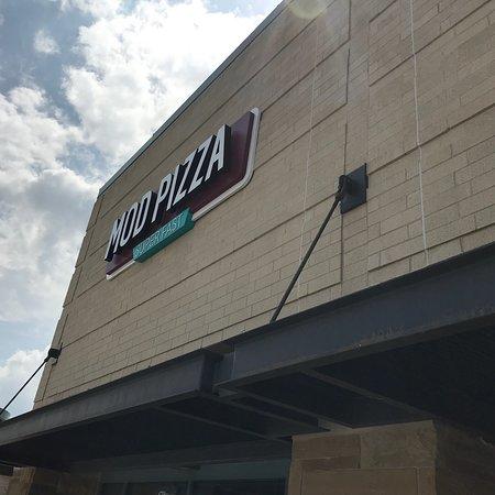 Ellisville, MO: Mod Pizza