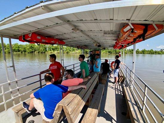 Westwego, لويزيانا: Captain James' pontoon tour boat