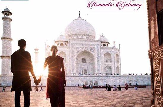Taj Mahal & Agra Train Tour De...