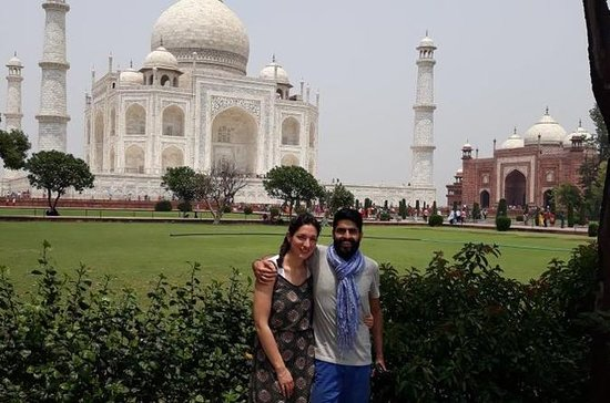 Same Day Taj Mahal Tour by Gatimaan...