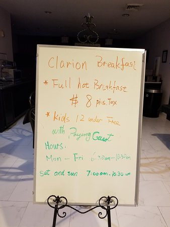 Clarion Suites Near the Woodlands: 20180424_195852_large.jpg