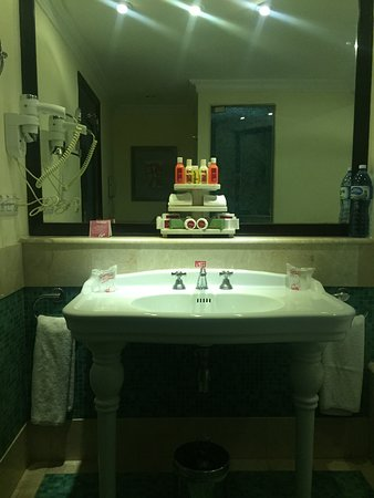 Hotel Saratoga: Saratoga Bathroom