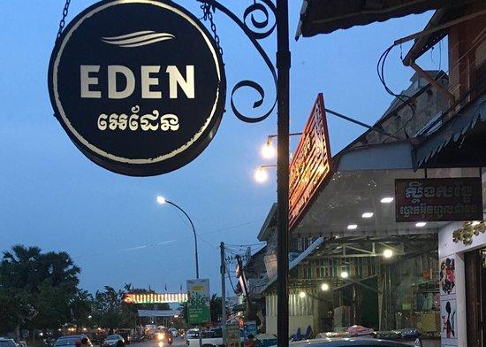 Cafe Eden (バタンバン) の口コ...