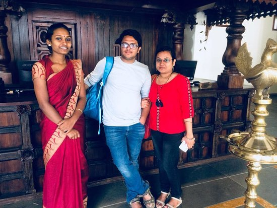Kunjithanny, الهند: Happy guest Mr & Mrs Nikesh.
