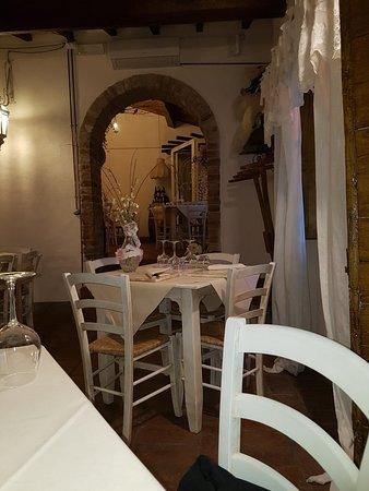 Fabbrica, Italie : 20180513_191417_large.jpg