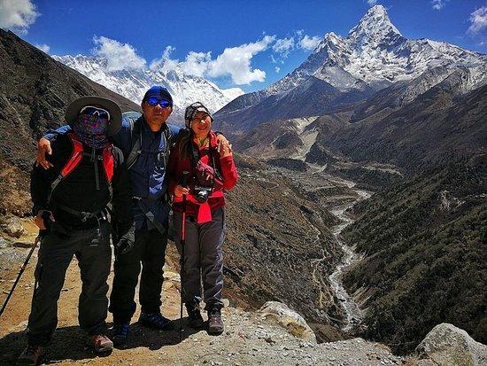 Everest Base Camp Trekking: Drei, Eric and Jonah (Team Philippines April 2018)