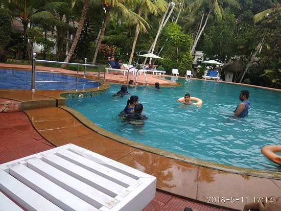 Abad harmonia ab chf 44 c h f 5 8 bewertungen fotos for Swimming pool preisvergleich