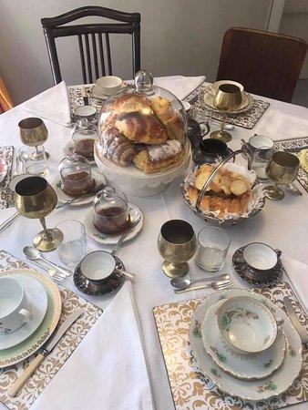Palazzo Lungarini Bed and Breakfast: COLAZIONE DA SOGNO