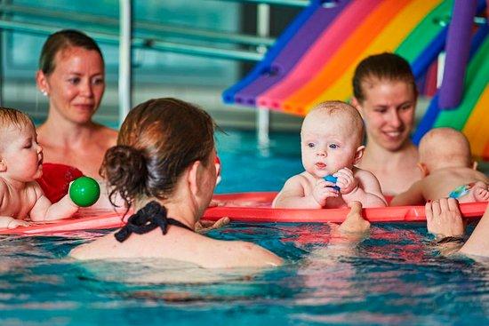 Hamar, Norvège: Bassenger med varmt vann, egen familieavdeling for barn i alle aldre
