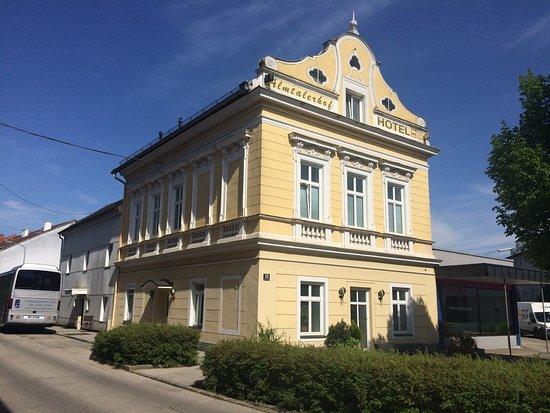 Traun, ออสเตรีย: La villa di fronte il ristorante