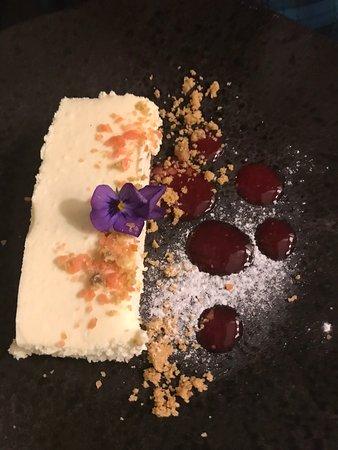 Madliena, มอลตา: White Chocolate Cheesecake
