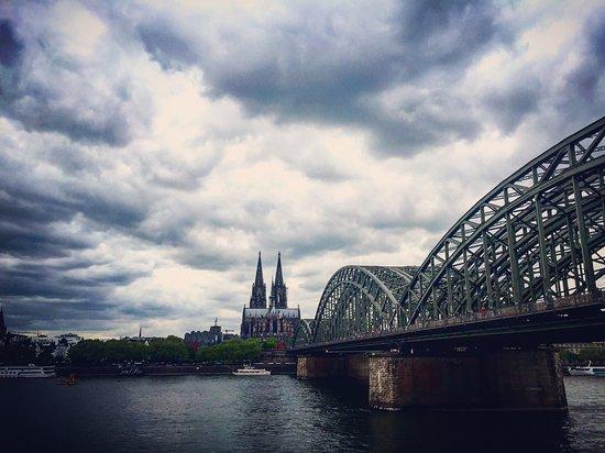 Hyatt Regency Cologne: vue de notre étage sur la cathédrale