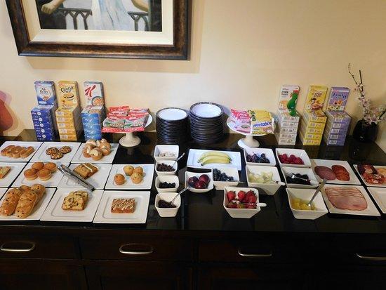 Sea-Breeze Lodge: Breakfast Selections