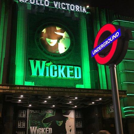 Apollo Victoria Theatre : photo2.jpg