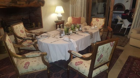 De Kleijne Bos Country House: evening dining room