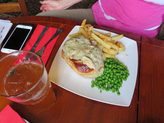 Napton-on-the-Hill, UK: Chicken Pie