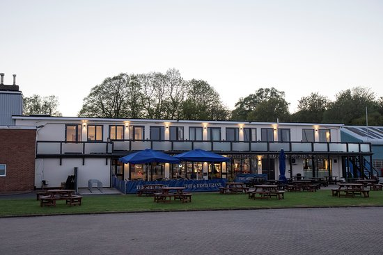 Suffolk, UK : Hotel and Bar front