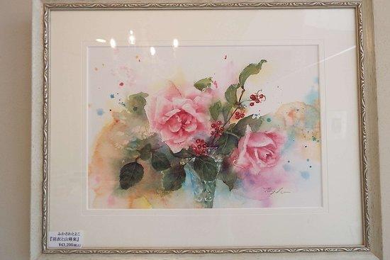 Izukogen Rose Terrace: 展示・販売されている素敵な薔薇の絵。