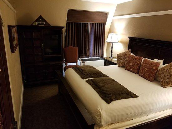 El Tovar Hotel: Whittlesey Suite Bedroom