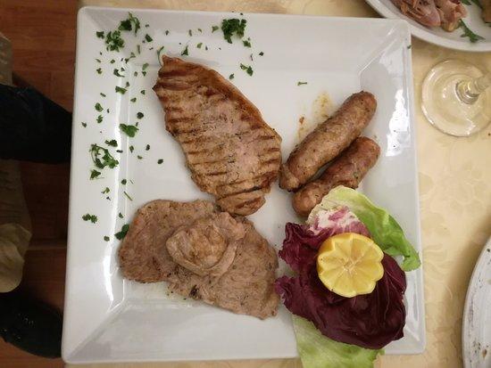 Ramacca, Italien: Grigliata di carne