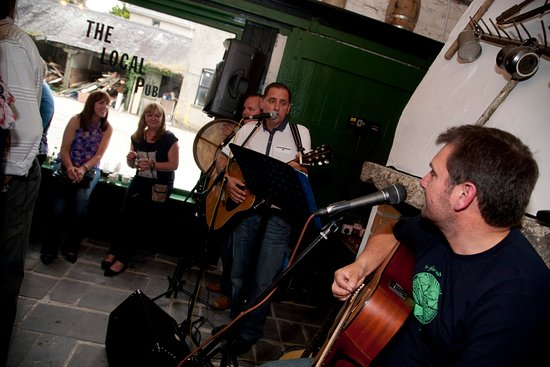 Arthurstown, Irlande : Live Music at the Local