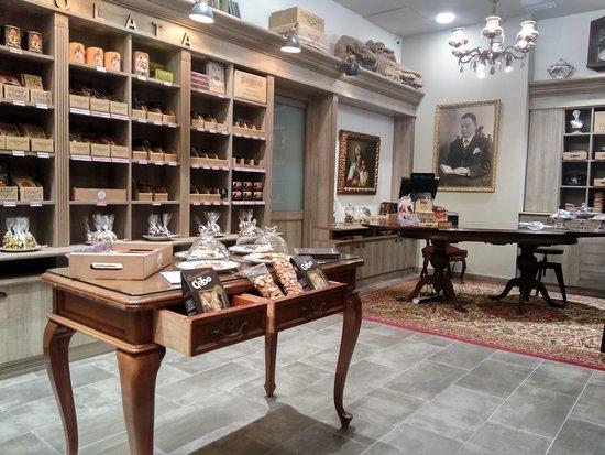 Casa Dolca Farrero : Chcocolates and sweets.