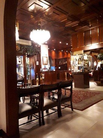 Hotel Pyrenees: 20180510_211005_large.jpg
