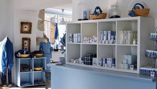 bleu pastel de lectoure intrieur de la boutique