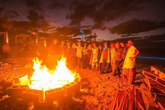Alice Town, Bimini: Bonfire.