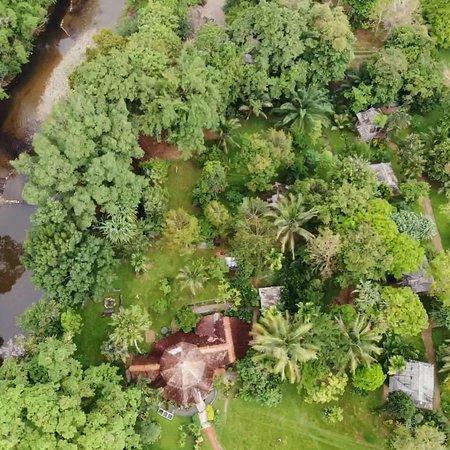Phanom, Thailand: บ้านเขาสกรีสอร์ท