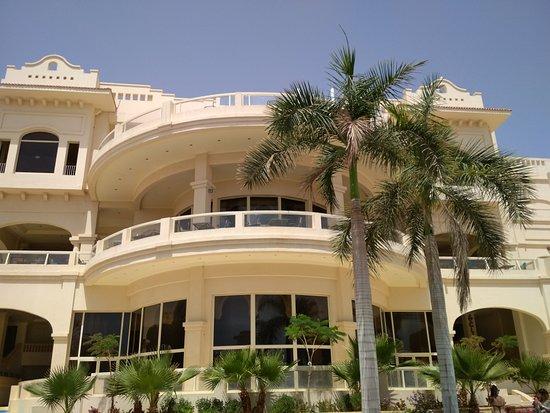 Continental Plaza Beach Resort Photo