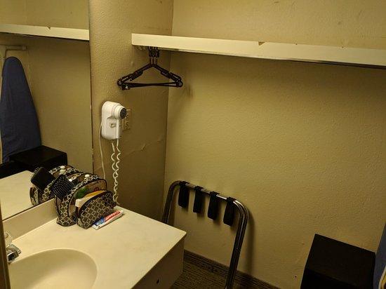 Roomba Inn & Suites Orlando Image