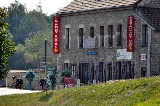 Clamerey, Francja: une bonne cuisine  en pleine campagne qu elle bonheur