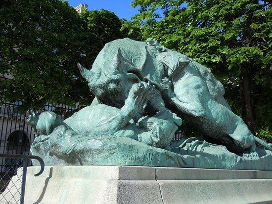 Statue Rhinocéros attaqué par un Tigre