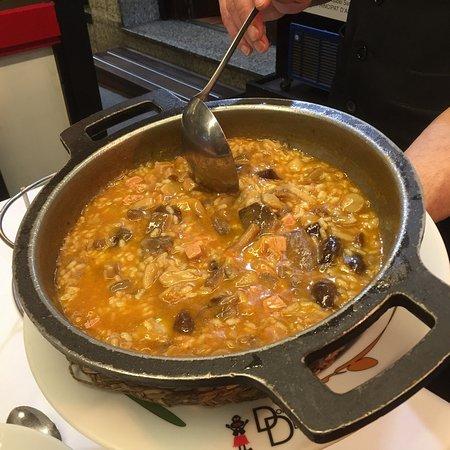 Escaldes-Engordany Parish, อันดอร์รา: Paella foie gras et ceps