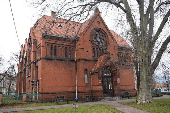 Legnicka Biblioteka Publiczna