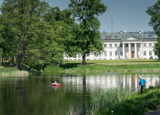 Deblin, โปแลนด์: O parkowy staw dbają zaangażowani mieszkańcy!