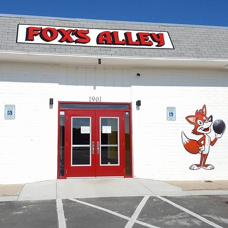 Fox's Alley Bowling, Bar, & Grill
