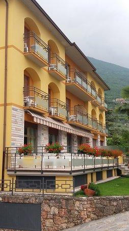 Assenza, อิตาลี: Nebenhaus - alle Zimmer mit direktem Seeblick, Balkon od. Terrasse