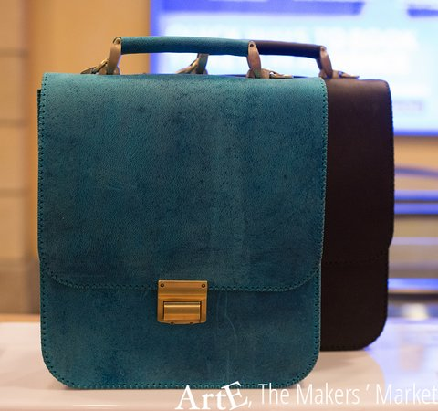 Makers Of Camel Leather Bags
