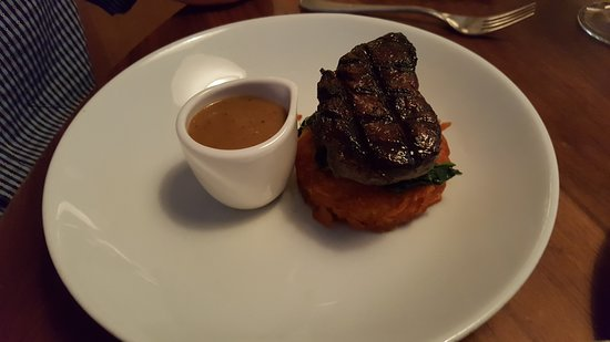 The Restaurant Bar & Grill: Fillet steak and hash brown