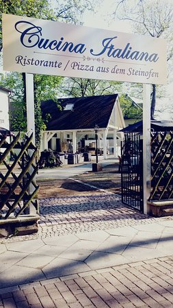 Glienicke, Germany: Eingang