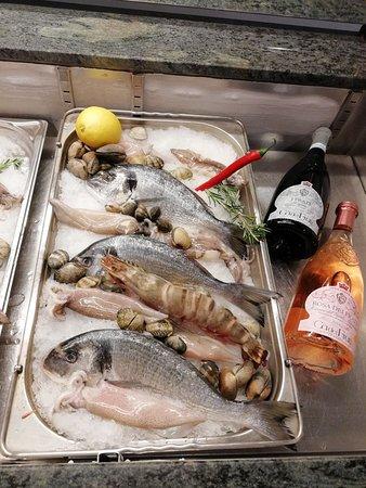 Glienicke, Alemania: Fischvitrine