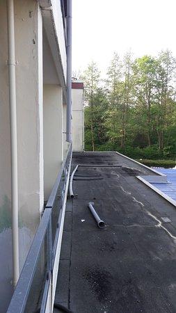 Molln, Tyskland: Schrott vor dem Balkon