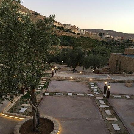 Al Anbat Hotel 1: Terrasse