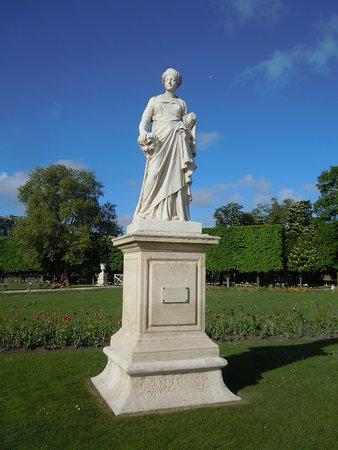 """Statue """"La Comédie"""""""