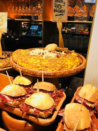 Zaharra: Food looked great