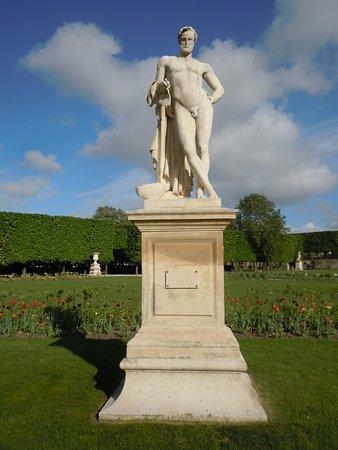 """La statue """"Cincinnatus"""""""
