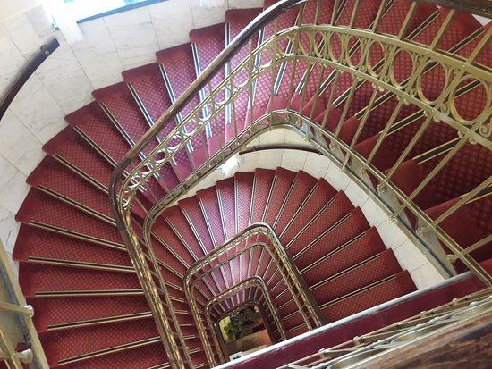 Hotel Erzherzog Rainer: Stairs. Don't worry, they have elevator:)