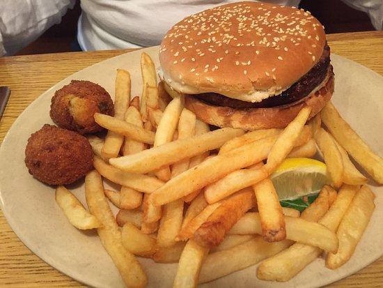 Sam's St John's Seafood: burger plate